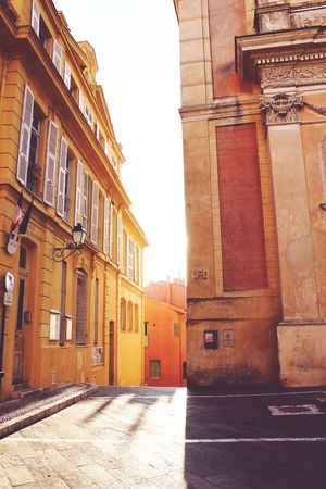 Old street view Architecture Sunlight No People City Southoffrance Streetphotography Warmdays EyeEmNewHere Patrimoine Patrimoine De France PACA Provence Alpes Cote D´Azur