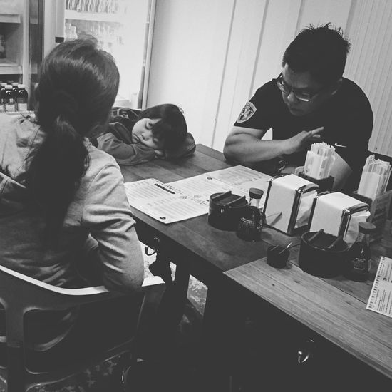Sitting Table Indoors  Friendship Real People Men Adult Young Adult Togetherness People Day Family Black And White XperiaZ5 Street Photography Cafe Indoors  The Street Photographer - 2017 EyeEm Awards