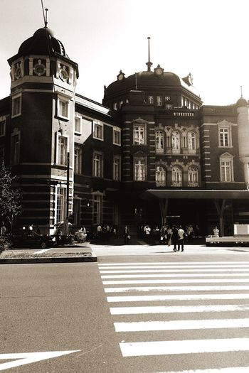 Tokyo Station Building Exterior Day People IPhoneography Iphone6splus OneCam EyeEm 東京駅周り散策