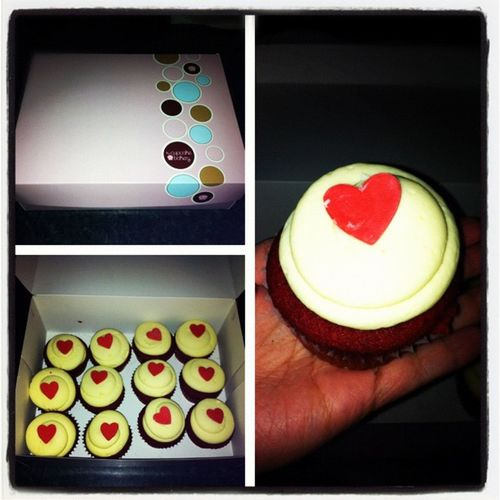 Special delivery received today! Ahihi ? Redvelvet Redvelvetcupcake Cupcakebakery Dozencupcakes yum specialdelivery
