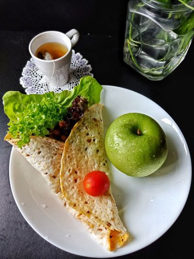 chicken grilled wrap Chicken Wrap Salad Apple Eat Clean Eatclean Eatcleantraindirty Eat Clean Train Harder Eat Clean Breakfast Breakfast ♥ Good Morning Healthy Eating Chicken Grilled Drink Black Background Water Fruit Drinking Glass Plate Close-up Food And Drink