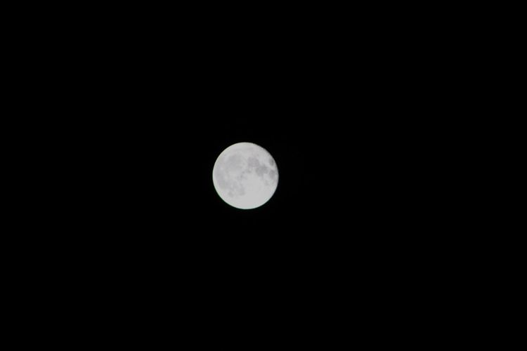 Moon Night Moon Surface Nature Sky Full Moon Full Moon Night  Space Scenics Clear Sky No People Beauty In Nature Canon Astronomy Tranquil Scene Outdoors Tranquility Planetary Moon Copy Space Black Blackandwhite White Moon
