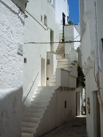 Cisternino in Puglia Puglia South Italy Architecture Steps And Staircases Staircase Steps Built Structure Building Exterior The Way Forward Stairs Residential Building No People Day Whitewashed Outdoors EyeEmNewHere White Wall EyeEm Gallery Italy The Graphic City
