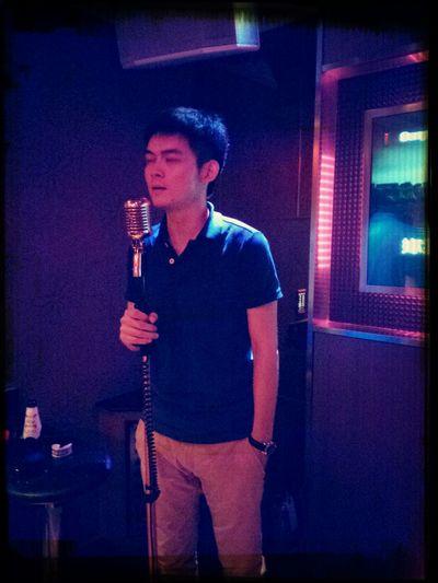Karaoke moment