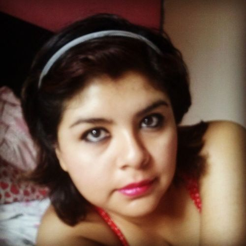 :) MexicanGirl Red Lips Happy pretty