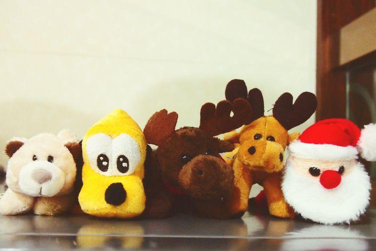 Everything In Its Place Friends Forever Bff Cute Magnets Christmas Spirit Deer Moose Santa Baby Santa Bear Pluto Toys Mini Dolls Animals Mini Plushies KAWAII Cute Disney Characters Disney Pluto Cute Pose Look At Camera
