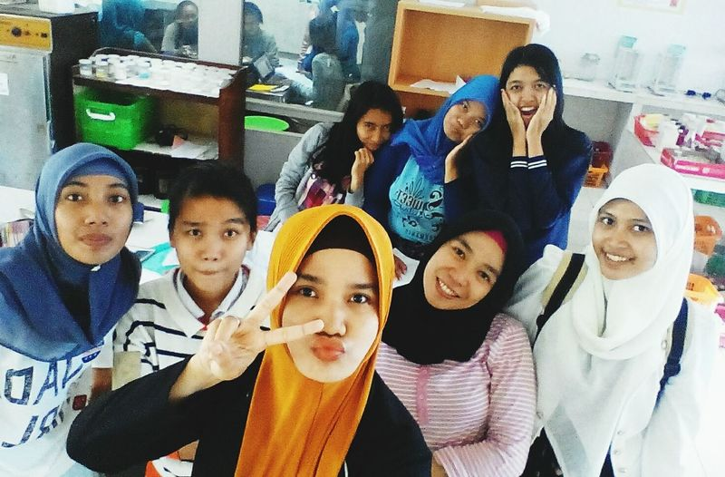 Everyday Joy I love take a GROUFIE with u guys ? Post-lab