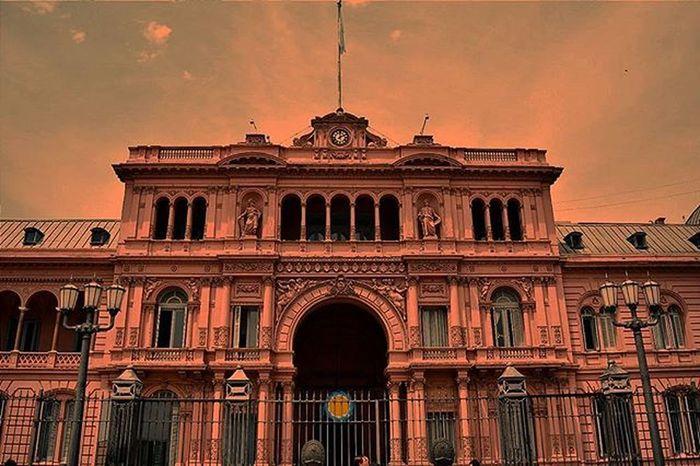 La famosa rosada.. Serie: UnDiaMasEnLaCiudadDelCaos Igers Argentina Ig_buenosaires Argentina_estrella