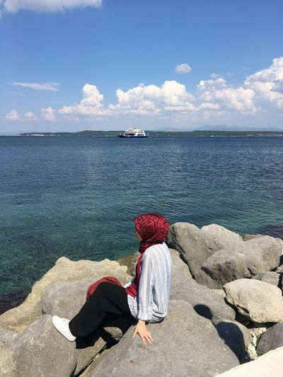 Çanakkale Boğazı Bulut☁ Bulut Deniz Canakkale Turkey çanakkale Water Sea Sky Real People Beauty In Nature Beach Horizon