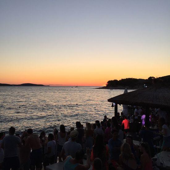 Sunset Partying HulaHula Sea View