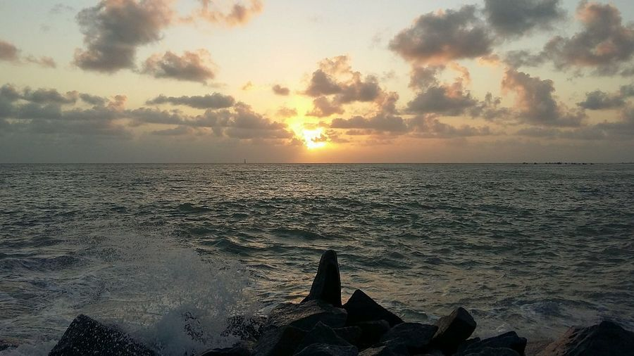 Sun Water Sea Scenics Tranquility Sky Beauty In Nature Horizon Over Water Cloud - Sky Majestic Atmosphere Cloud Nature