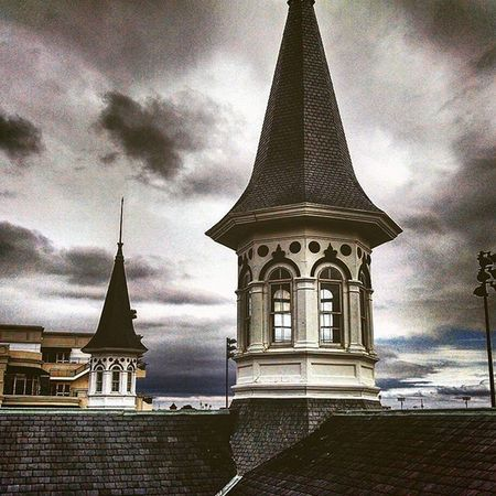 The Steeples Twinspires Churchhilldowns Louisville Kentucky  Horserace Merica Myoldkentuckyhome Fashion Fall Autumn