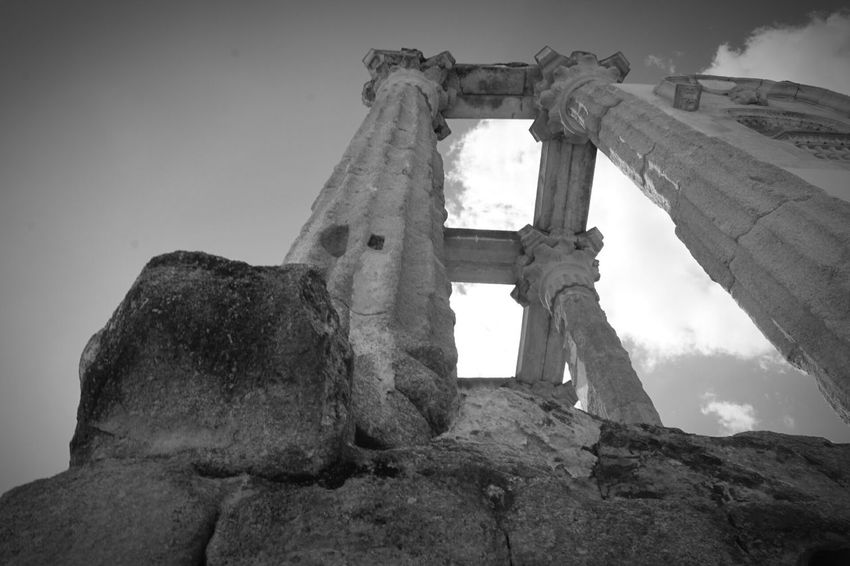 Blank and White Spain Blackandwhite B&w B&w Street Photography The Past History Ancient Old Ruin Ancient Civilization Architecture Architectural Column Roman Architecture Greek Architecture Travel Destinations Perspective Photography Perpective Welcome To Black The Architect - 2017 EyeEm Awards