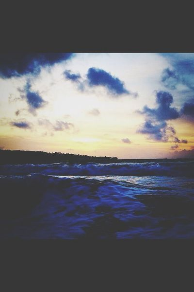 Bali sunrise gonna miss this place Catching Waves Sunrise Hello World Nature Beachphotography Clouds And Sky Ocean