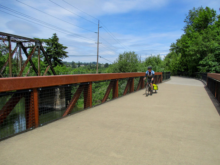 Bicycling on a bridge over the Tualatin river, along the Fanno Creek trail. Bicycle Bicycling Bridge Diminishing Perspective Fanno Creek Multi-use Path Tualatin Tualatin River