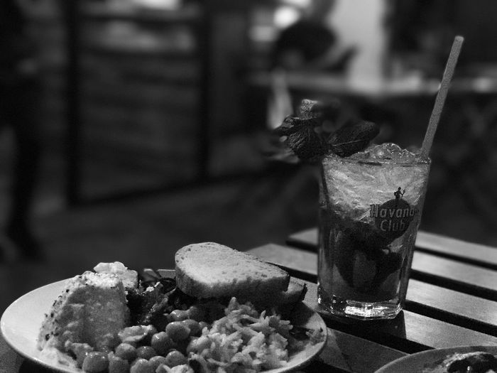 EyeEm Selects Food And Drink Drinking Glass Drink Drinking Straw Indulgence Table Freshness Focus On Foreground Temptation Cocktail Close-up Refreshment Plate Food Indoors  No People Sweet Food Mojito Mint Leaf - Culinary Ready-to-eat