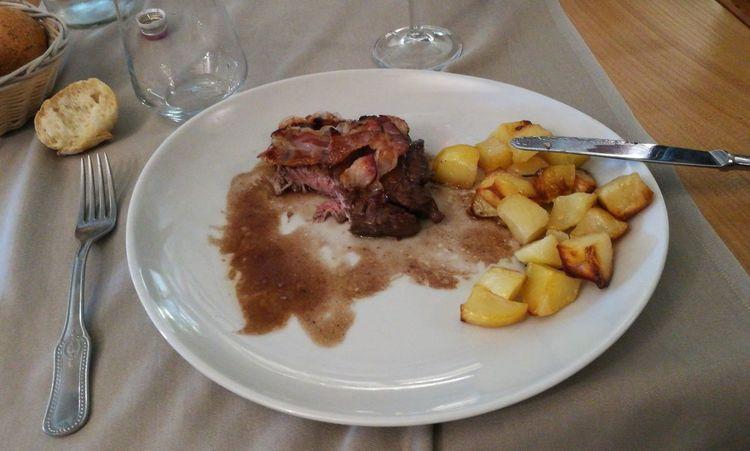 Trattarsi bene.Italian Food Meat Filetto Di Manzo Top Food Food And Drink Plate
