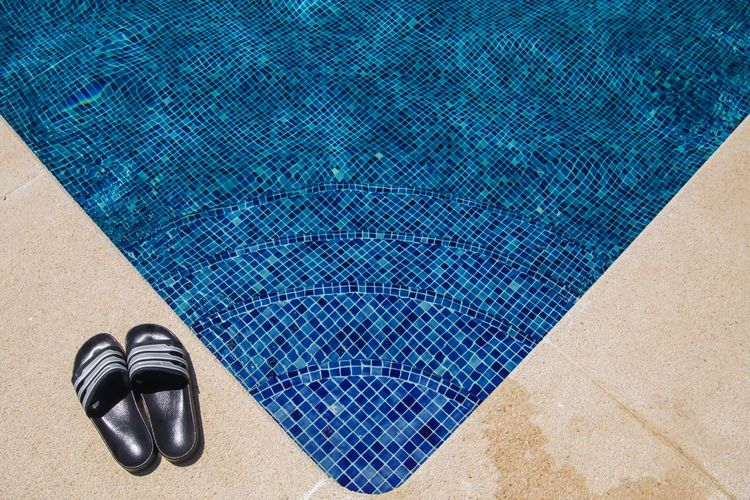 Arrangement Badelatschen Best Of Stairways Blau Blue Empty Geometric Shape Holiday Mallorca Pool Repetition Schwimmbecken SPAIN Stairs Still Life Swimming Swimming Pool Treppe Urlaub Vacation Showcase June