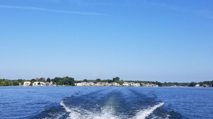 Lake Norman Lake Norman, NC, USA Houses Lakefront Boating Water Clear Sky Blue