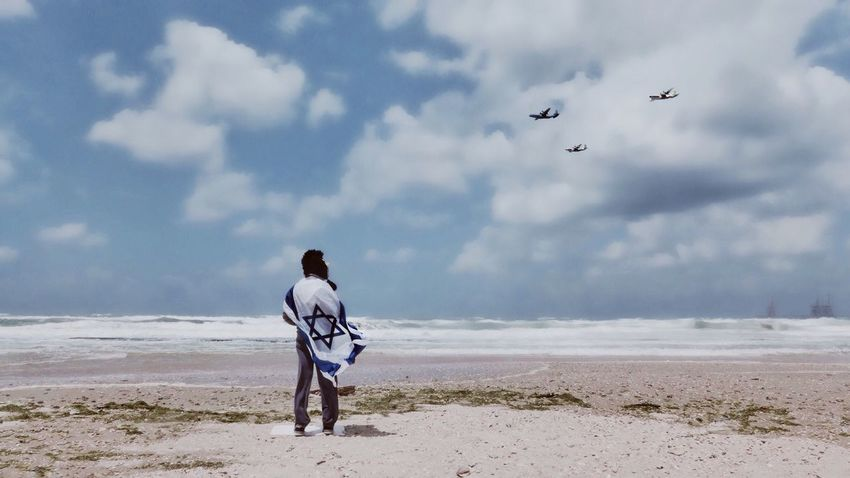 Israel Independence Day Sky Beach Sea Sand Real People Rear View Cloud - Sky Nature Flying Scenics Full Length Mid-air Beauty In Nature Leisure Activity Day Bird Men Horizon Over Water Outdoors One Person מיייוםהעצמאות מייגיא מייים מיימרקט