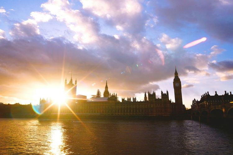 Pastel Power Houses Of ParliamentAmazing Beautiful Day London Sunset England Sun Sunset_collection February2016 Vacations Europe Trip Cloudporn Goodlife Amazing View Brexit 43 Golden Moments London Lifestyle EyeEm LOST IN London Neon Life Postcode Postcards Perspectives On Nature Adventures In The City