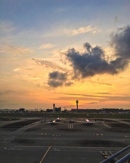 Feel The Journey Ultimate Japan Airport Japan Sunrise Plane 43 Golden Moments