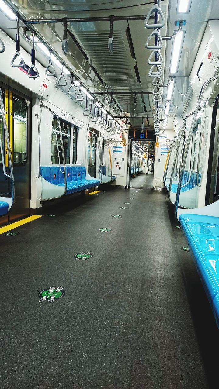 VIEW OF TRAIN IN SUBWAY STATION