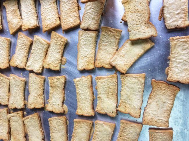 ปังเนยหนึบ Bread Full Frame Backgrounds Pattern No People High Angle View Day Arrangement Large Group Of Objects In A Row