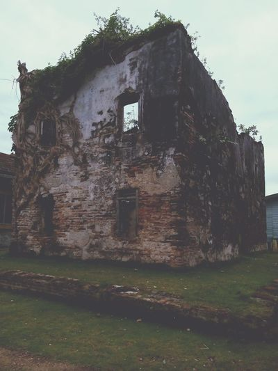 Old Buildings Ruined Building Ruined Wall Abandoned Rotting Farmhouse Old Ruin Rural Scene Destruction Abandoned House Window Residential Building Façade Run-down Bad Condition Peeling Off Broken Rusty Ghost Town Ruined Deterioration