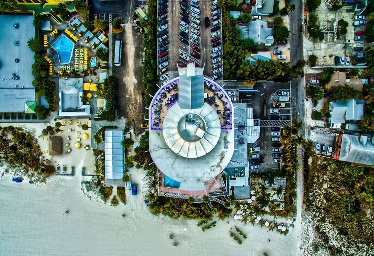 Grand Plaza Hotel Saint Petersburg Fl Grandplaza Grand Plaza Hotel Hanging Out Check This Out Hello World Taking Photos Relaxing Enjoying Life Aerial Shot Color Photography Drone  Photographic Memory Beautiful Florida Beaches DJI Phantom 3 Professional Phantom 3 Check This Out Colors