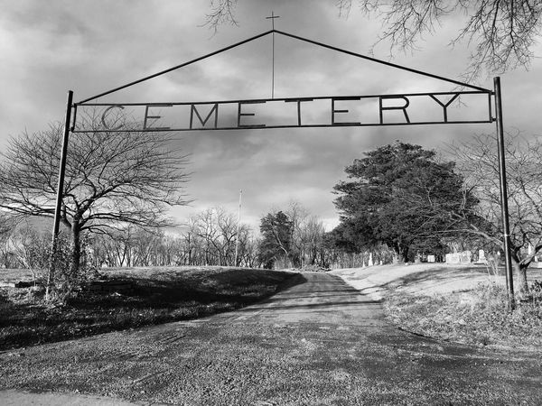 Cemetery 1 Cemetery Graveyard Beauty Blackandwhite Outside
