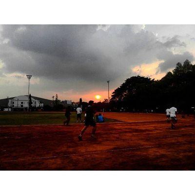 diantara Jingga ku berlari... Sabuga Bandung Jawabarat Sunset Sunrise_and_sunsets Lenovotography Photostory Lzybstrd