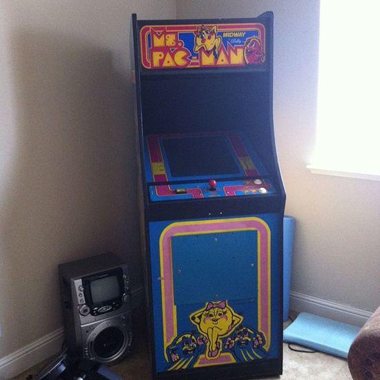 Feel like I'm at an arcade in my own home haha Old School Arcade Mspacman sweet so fun