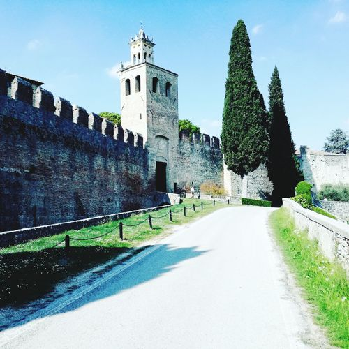 History Built Structure Castle Outdoors Sky Day Travel Destinations Architecture Green Italy Culture Story Antique Hills Italia Castello Castle Gate Hills And Valleys Scenics