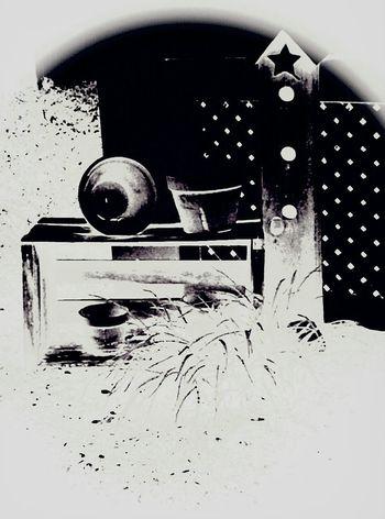 Black And White .. Goodbye Summer .. SAMSUNG ...3MP.........