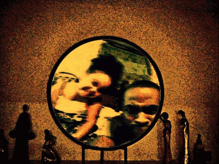 Reflection Photographing Photography Themes Geometric Shape Circle Love Very Nice Decoration Moms House Growth Art And Craft Travelling Photography Souvenir Creativity Eye4photography  Travellersdigest Relaxing Welcome To California Homesweethome Design Arrangement Large Group Of Objects Photoedit People Together Interiors Fatherhood Moments