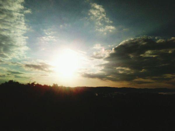 Nature Sunset Scenics Beauty In Nature Sunlight Landscape Outdoors Sun Sunbeam No People Tree Sky Mountain Day
