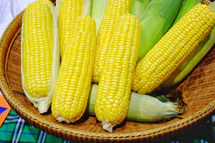 Corn Corn On The Cob Yellow Food And Drink Healthy Eating Vegetable No People Food Close-up Freshness Day Outdoors Corn