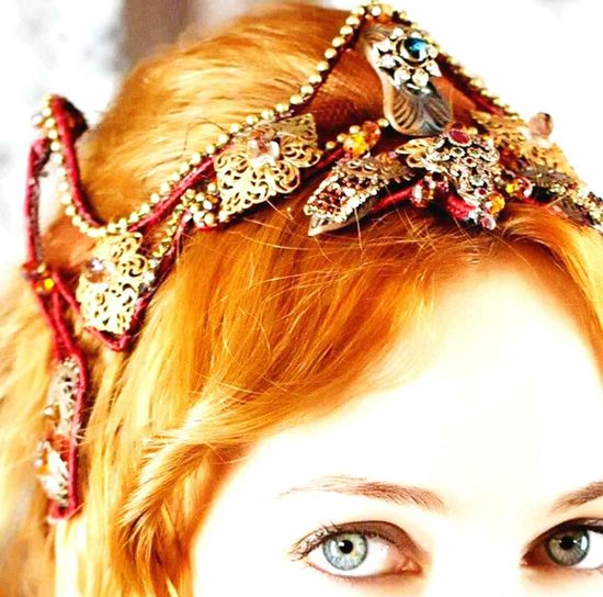Sultana Hurrem Sultan Hurrem Magnificent Century Crownroyal Crown The Empire Wife Of Sultan Meryem Uzerli Turkish Actress