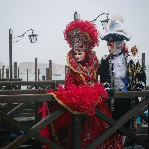 Mirrorless NX2000 Carnevaledivenezia Dress Contestgram Colors Of Carnival Venezia Gondola Red Mylady Picoftheday Igers Igersitalia Carnival Instagood Instalike Vogue