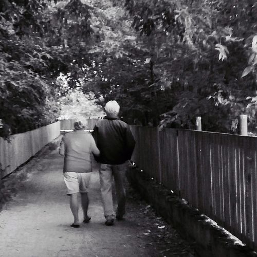 Elderly couple on a stroll Evening Evening Walk Couple Love Side By Side Test Of Time Relationship Blackandwhite IPhoneography IPhone 5C EyeEm Waterfront Trail