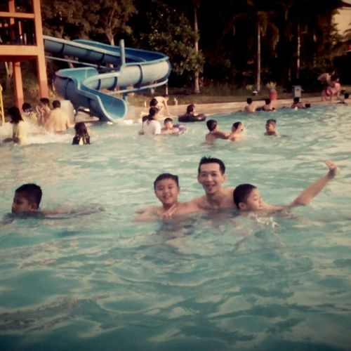 Family time swim... Swim... Swim... Younglic_alfgil Moment Weekend Weekendday famzday qualitytime moment mylove