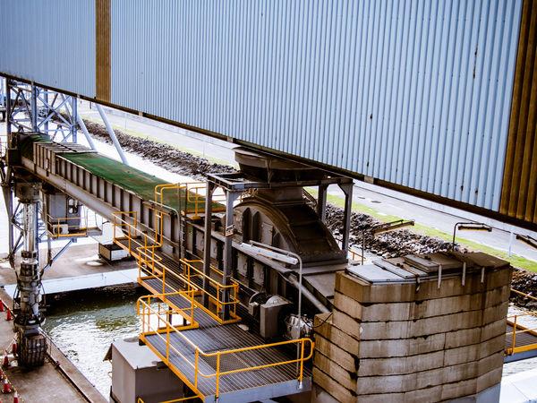 Mechanical unit at a Port Mechanical Metal Port