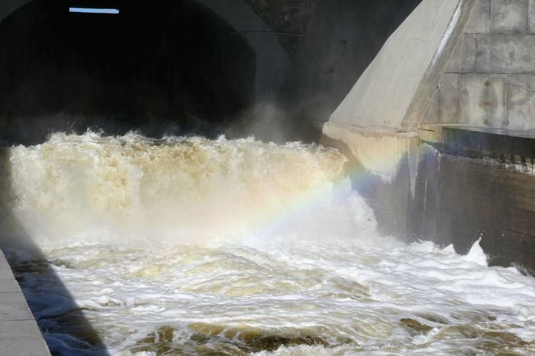 Water Motion Power In Nature Power Day Splashing Flowing Water Architecture Rainbow Dam
