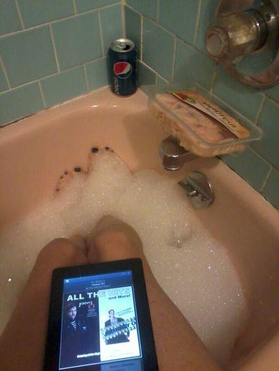 yessier relaxin soakin my feet :(