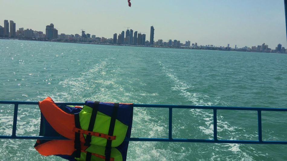 يوماً ما انا وافكاري في منتصف البحر Relaxing Kuwait ♡ Kuwait Sea Belding Kuwait ♥ Sea And Sky Kuwait City Q8 Kuwait Enjoying Life Arabian Gulf