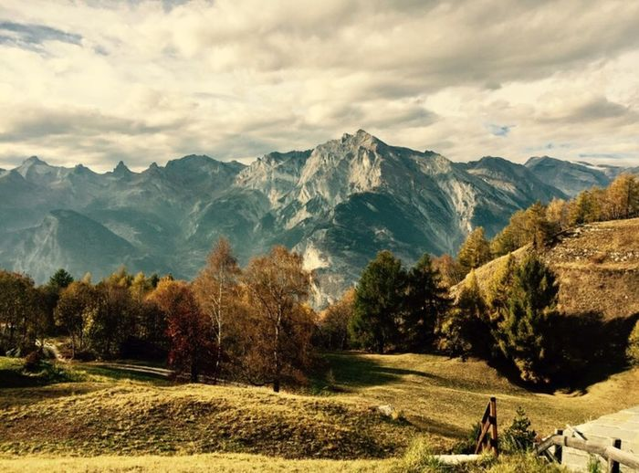 Alpessuisses Mountain Nature Mountain Range Beauty In Nature Scenics Real People Tranquility