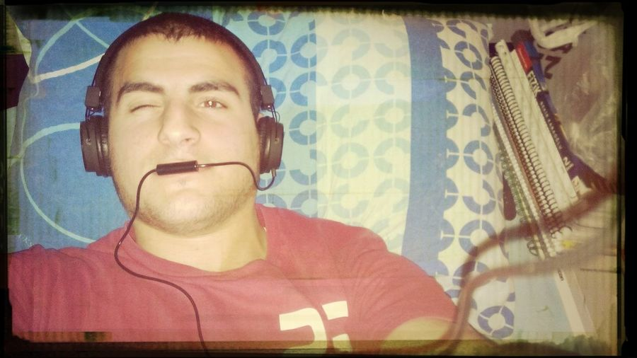 Technology I Can't Live Without Listen To Music On Nigth With Headset Cool My Is Technology... i like listen to music...