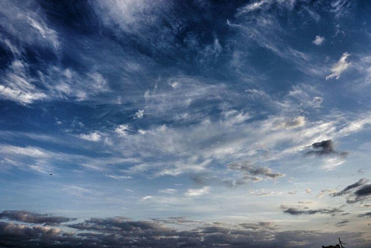 Вот такое небо нас радовало весь день в подмосковье Sky And Clouds Sky_collection Lytkarino Skylovers Sky Clouds And Sky Cloud - Sky Clouds Cloud_collection  Russia LoveRussia Day Daytime City Citysky влюбисьвлыткарино