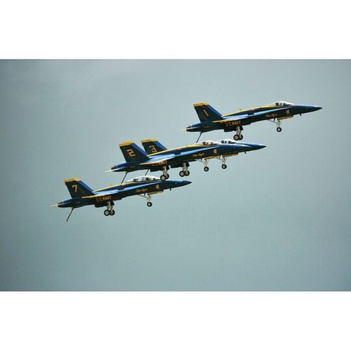 Blue angels Instasize Superhubs_authentic